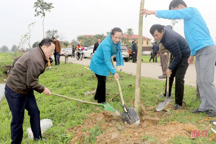Lãnh đạo Hà Tĩnh tham gia trồng cây đầu xuân Canh Tý tại các địa phương