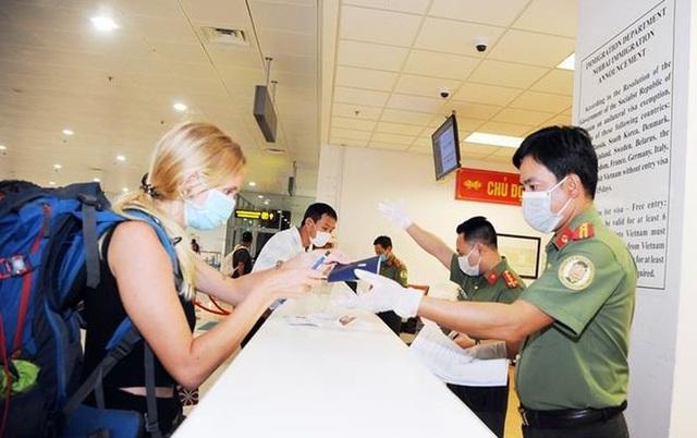 Thay đổi tạm thời một số quy định xuất nhập cảnh với người nước ngoài