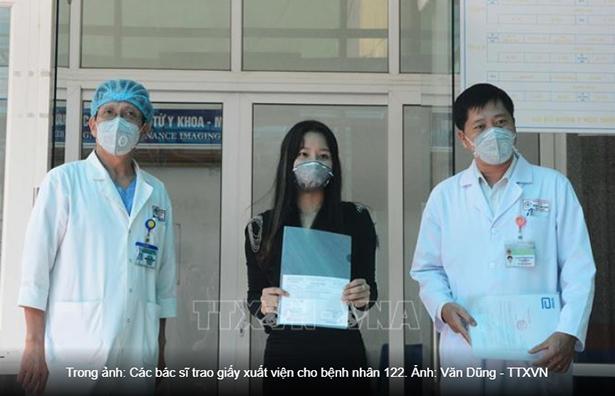 Bệnh nhân mắc Covid-19 thứ 122 xúc động khi khỏi bệnh, trở về quê Hà Tĩnh