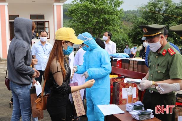Vũ Quang hoàn thành bàn giao công dân cách ly tập trung về địa phương