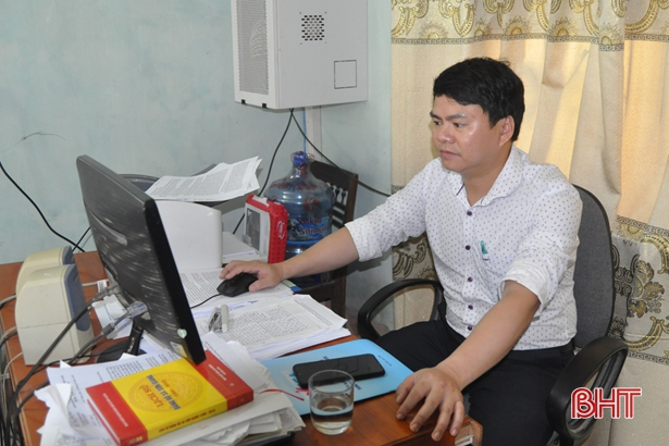 94% cán bộ, công chức xã ở Hương Sơn sử dụng máy tính có kết nối mạng