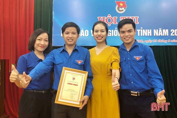 Cán bộ đoàn Hà Tĩnh giành giải nhất cuộc thi viết về biển, đảo Tổ quốc