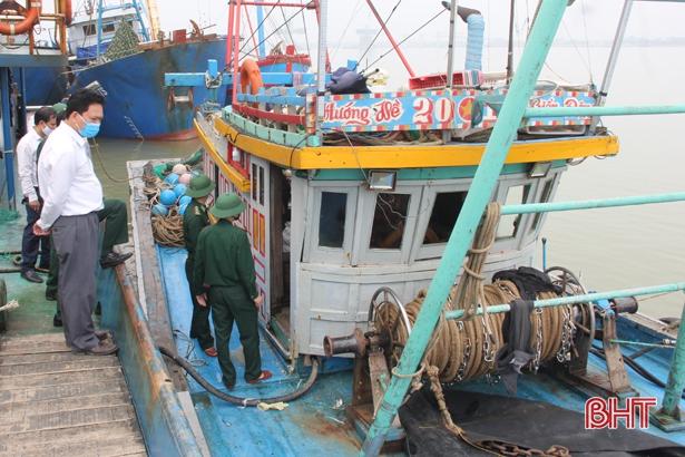 Hơn 3.100 tàu cá Hà Tĩnh hết hạn giấy phép khai thác thủy sản