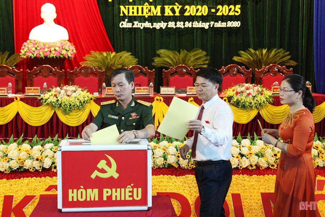 Ông Phạm Đăng Nhật được bầu giữ chức Bí thư Huyện ủy Cẩm Xuyên nhiệm kỳ 2020 - 2025