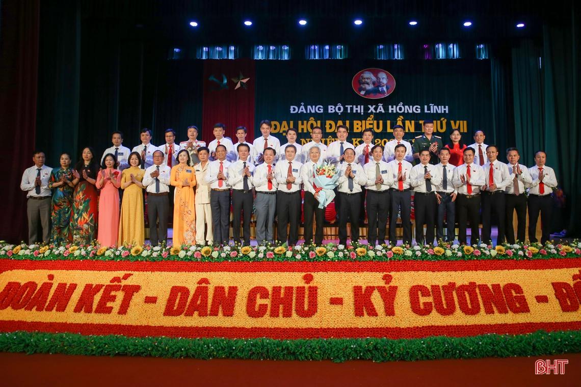Bầu 32 đồng chí vào Ban Chấp hành Đảng bộ thị xã Hồng Lĩnh nhiệm kỳ 2020 - 2025