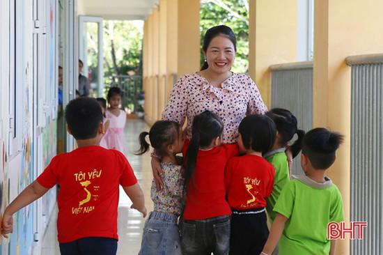 Cô giáo ở Hà Tĩnh làm hiệu trưởng 2 điểm trường cách nhau... 23km