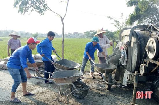 Mùa đông tình nguyện của tuổi trẻ Thành Sen vì nông thôn mới ven đô