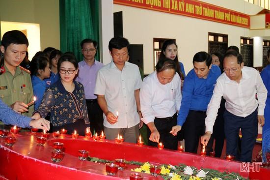 Tuổi trẻ Hà Tĩnh tưởng niệm nạn nhân tử vong do tai nạn giao thông