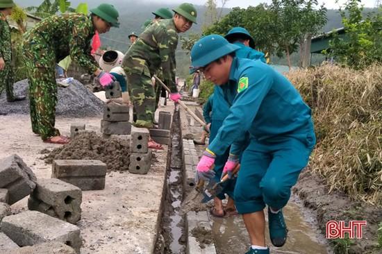Hơn 70 cán bộ, chiến sĩ giúp xã Kỳ Nam xây dựng nông thôn mới