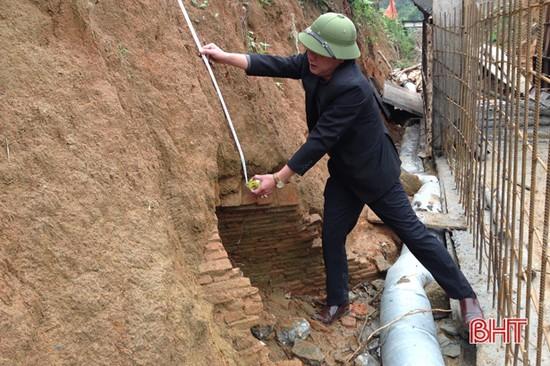 Thi công kênh tiêu nước, phát hiện ngôi mộ cổ khoảng 2.000 năm tuổi