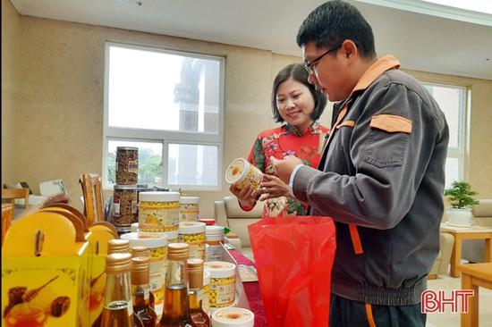 Formosa Hà Tĩnh tổ chức trưng bày 100 sản phẩm OCOP