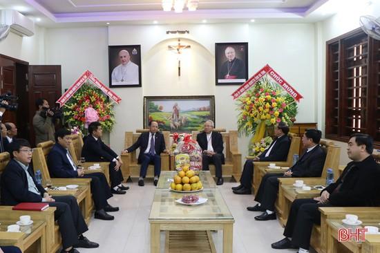 Lãnh đạo tỉnh chúc mừng Tòa giám mục Giáo phận Hà Tĩnh