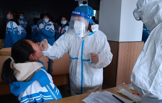 Trung Quốc ghi nhận hơn 100 ca nhiễm Covid-19 mới trong cộng đồng