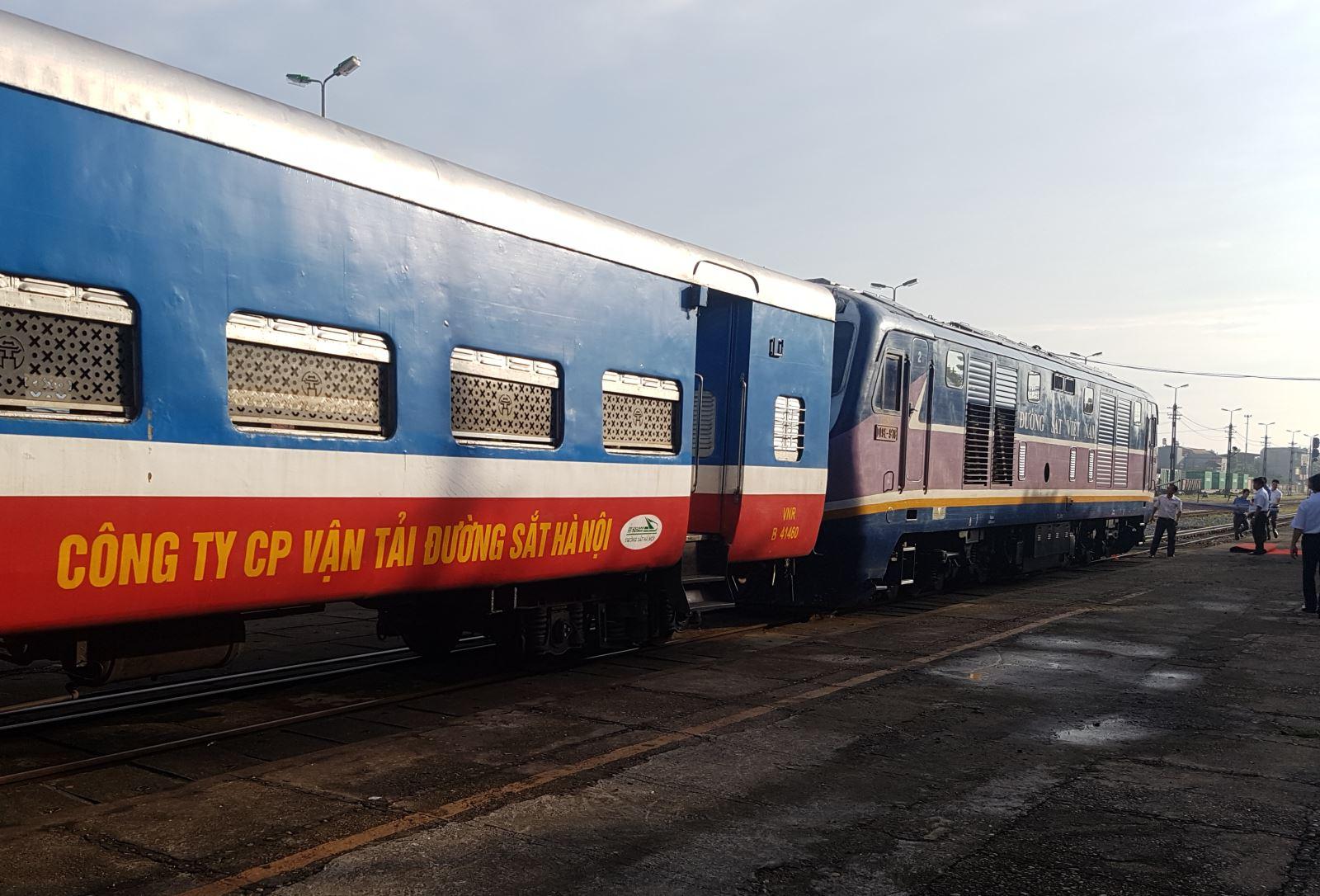 Hành khách đã mua vé tàu Tết sẽ được bảo lưu 1 năm
