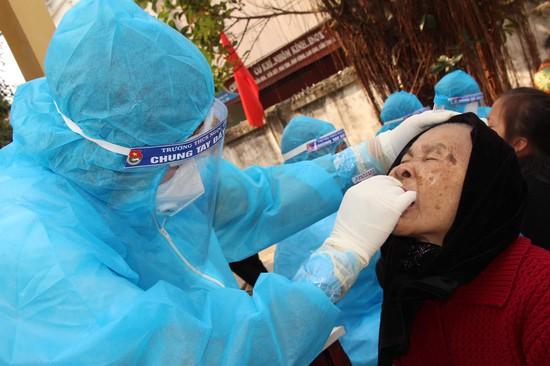 Chiều 9/2, có 13 ca mắc Covid-19 ở cộng đồng tại Hà Nội và 4 địa phương khác