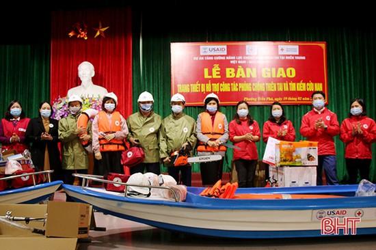 Trang cấp thiết bị hỗ trợ người dân TP Hà Tĩnh phòng chống thiên tai