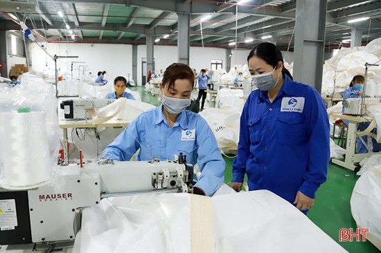 """Cụm công nghiệp Đức Thọ """"rộng cửa"""" đón gần 4.000 lao động Hà Tĩnh"""