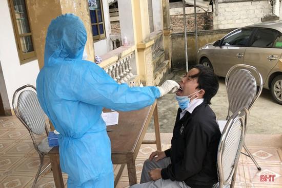 Người từ vùng dịch về Hà Tĩnh phải khai báo y tế, lấy mẫu xét nghiệm, cách ly phù hợp