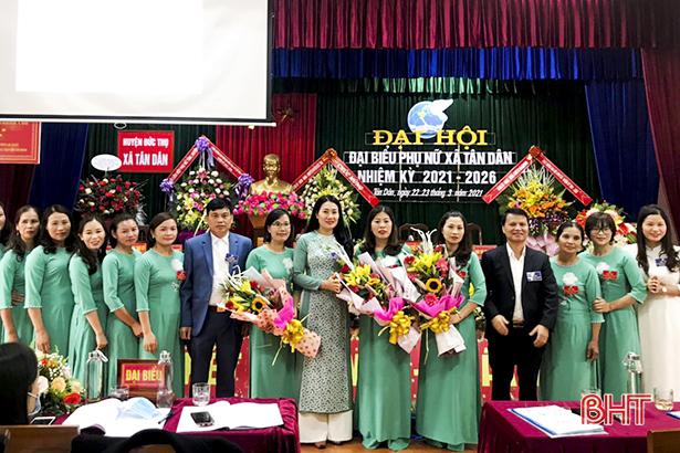 Hội viên phụ nữ Tân Dân, Xuân Hồng chung sức đưa xã đạt chuẩn nông thôn mới nâng cao