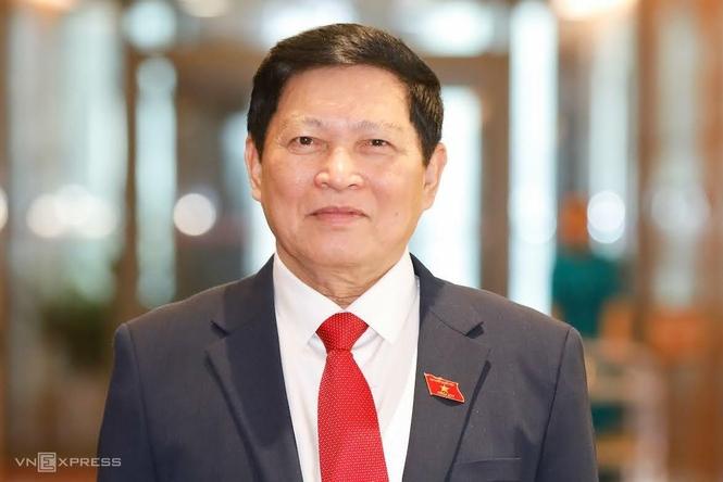 Trình miễn nhiệm Phó Thủ tướng Trịnh Đình Dũng và 12 thành viên Chính phủ