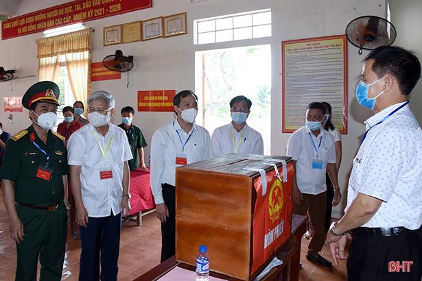 Thị xã Hồng Lĩnh công bố danh sách 30 người trúng cử đại biểu HĐND