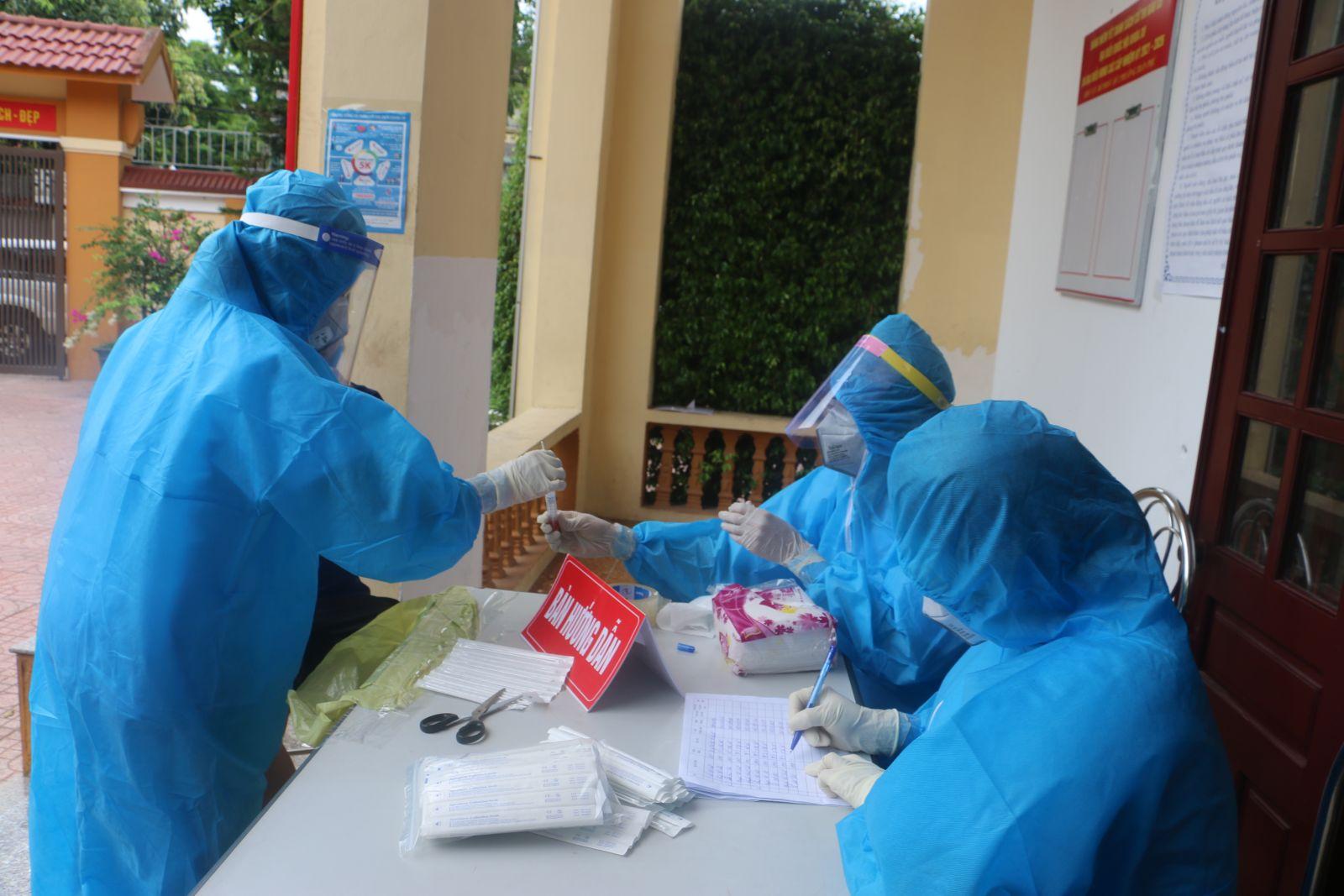 Hà Tĩnh đã có 1.011/1.073 trường hợp F1 âm tính với virus SARS-CoV-2