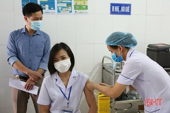 Hà Tĩnh tiêm vắc-xin phòng Covid-19 đợt 2 đạt 58%