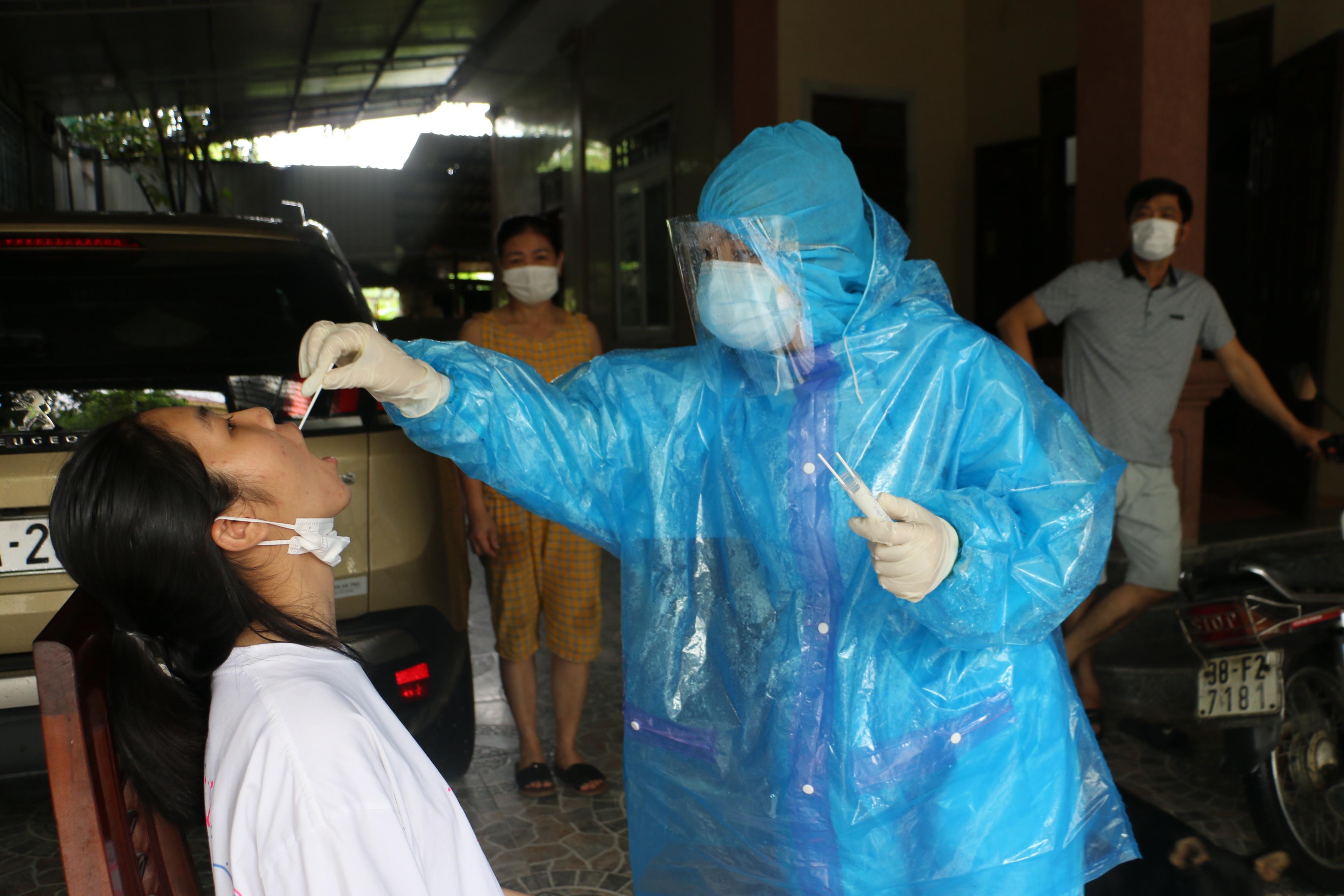 Sáng 20/6, Hà Tĩnh có thêm 1 trường hợp F1 dương tính với SARS-CoV-2