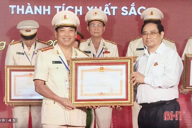 Thủ tướng Chính phủ tặng bằng khen Công an Hà Tĩnh về thành tích cấp căn cước công dân