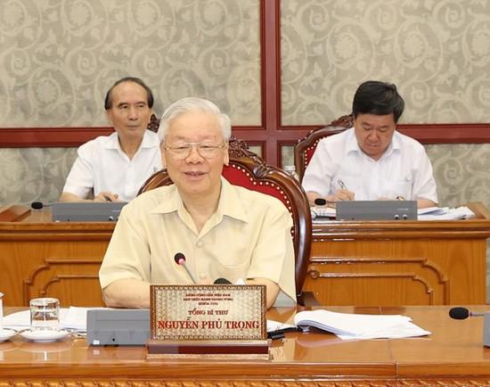 Bộ Chính trị đồng ý hỗ trợ người lao động và người sử dụng lao động ảnh hưởng Covid-19