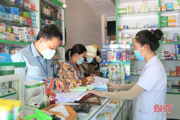 Yêu cầu khai báo đầy đủ, thông tin cho cơ quan y tế các trường hợp sốt, ho, khó thở khi mua thuốc