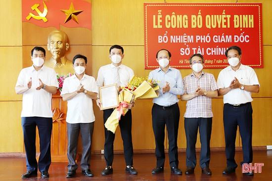Công bố quyết định bổ nhiệm Phó Giám đốc Sở Tài chính Hà Tĩnh