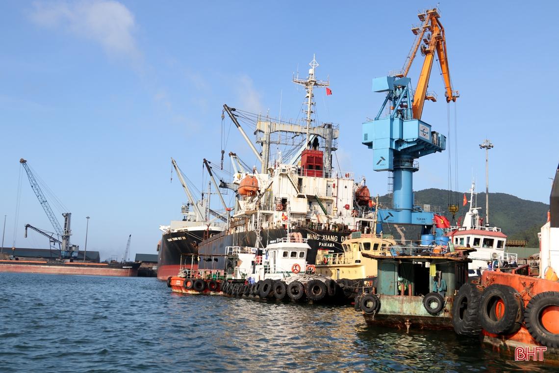 Hàng hóa qua cảng biển Hà Tĩnh đạt trên 17,8 triệu tấn