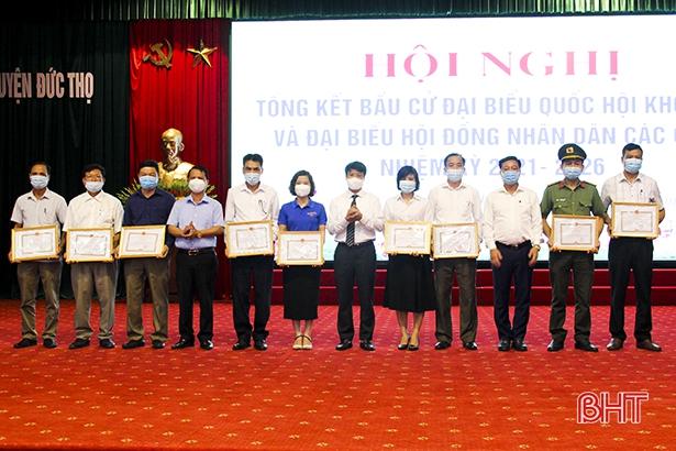 Đức Thọ khen thưởng 118 tập thể, cá nhân trong công tác tổ chức bầu cử