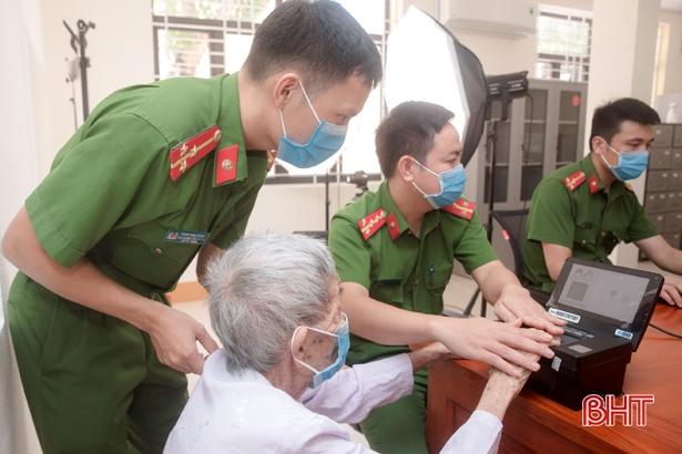 Công an Hương Sơn khai trương địa điểm giải quyết các thủ tục hành chính