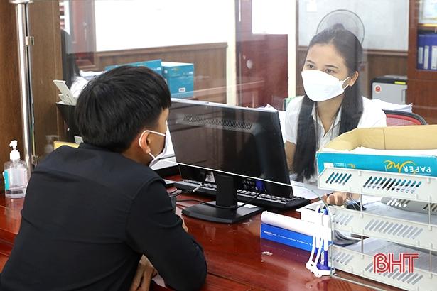 Người lao động Hà Tĩnh bắt đầu nhận hỗ trợ từ gói 38.000 tỷ đồng của Chính phủ