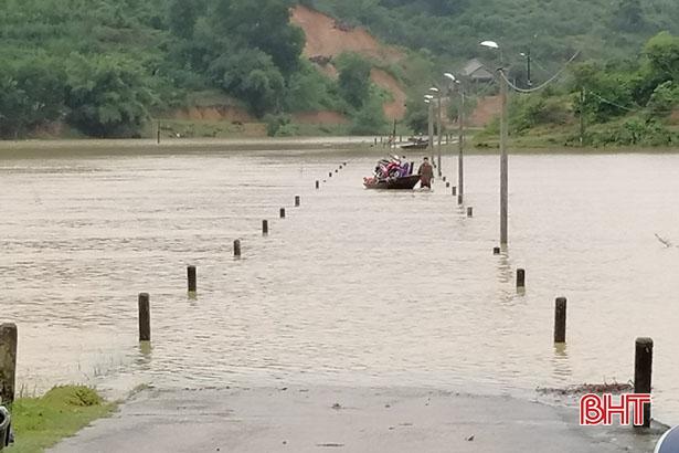 Mưa lớn kéo dài, nhiều xã miền núi Vũ Quang ngập cục bộ