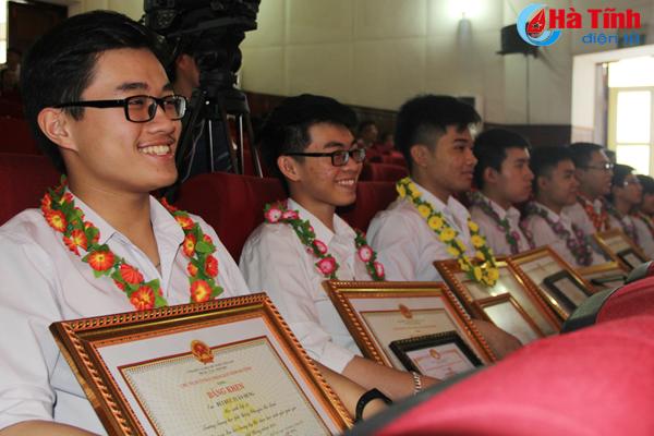 Hà Tĩnh xếp thứ 3 toàn quốc về số lượng học sinh giỏi cấp quốc gia